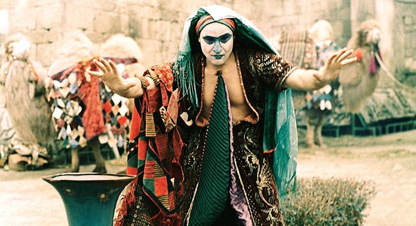 Parajanov Filmleri ile Kültürler Arası Yolculuk