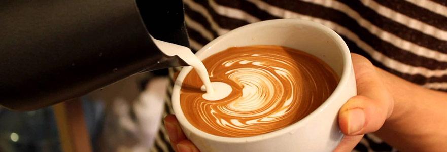 """""""Beş Altı Yıl Önce Sokakta Kahve İçmek Ayıptı"""""""