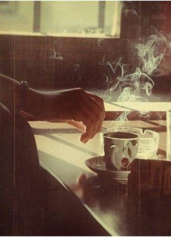 Lütfen biraz daha kahve ve sigara